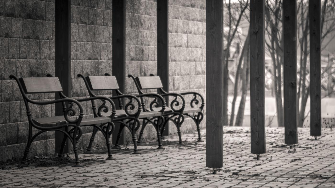 Posezení v zámeckém parku v Královském Poříčí