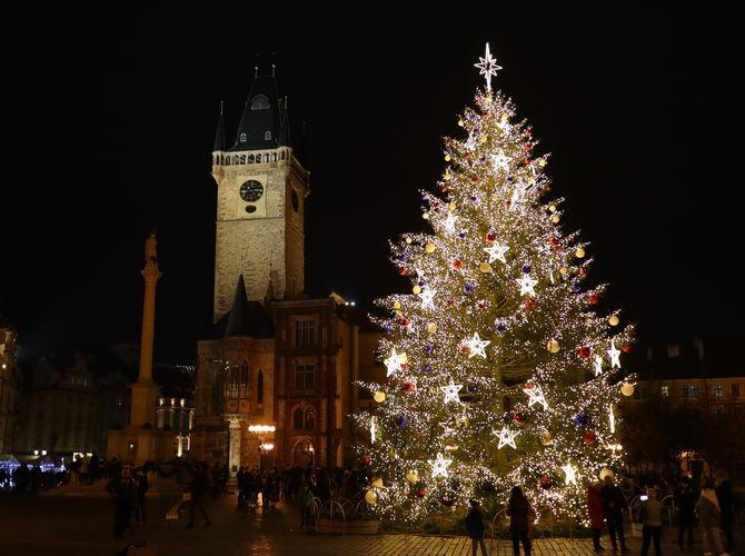 Vánoční stromek na Staroměstském náměstí