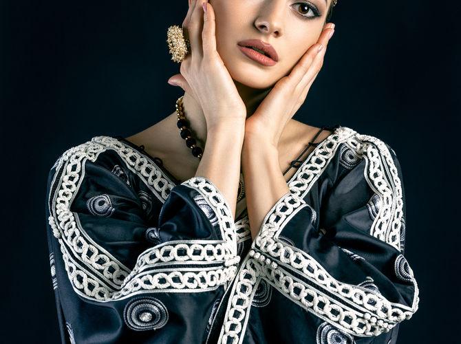 Oriental girl in traditional dress