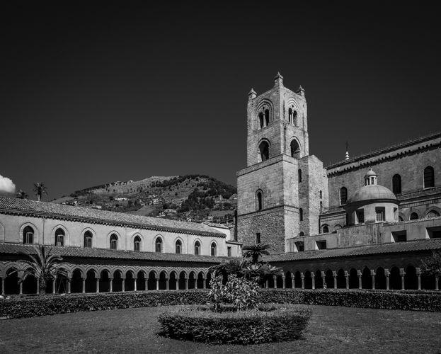 Monreale, Kláštor Benediktínov