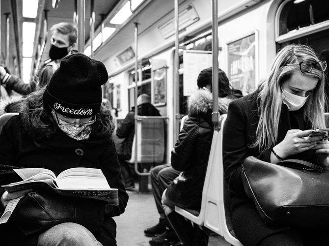 Jedna mobil, druhá knihu ...