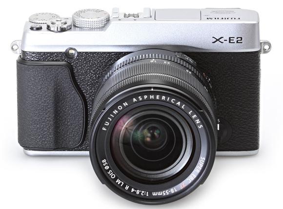 Superrychlé novinky Fujifilm: X-E2 a kapesní XQ1
