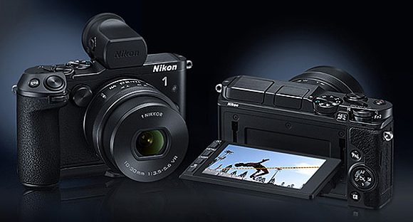 Superrychlý Nikon 1 V3 a nové objektivy