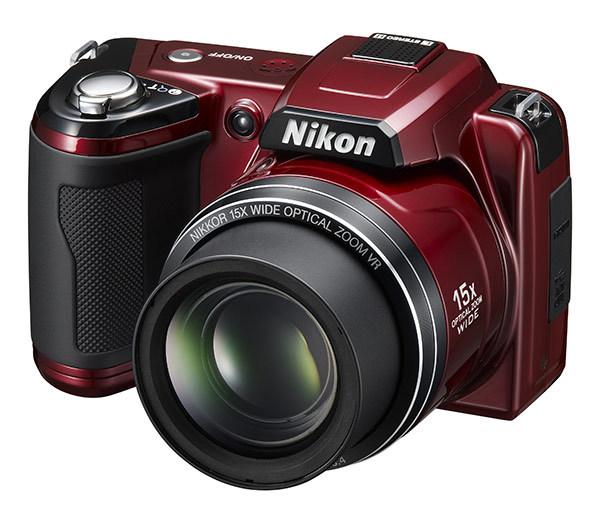 Nové digitální fotoaparáty Nikon a Olympus
