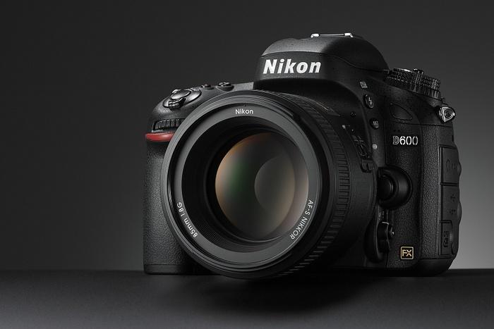Nikon se vyjádřil k problému prachu na snímači u D600