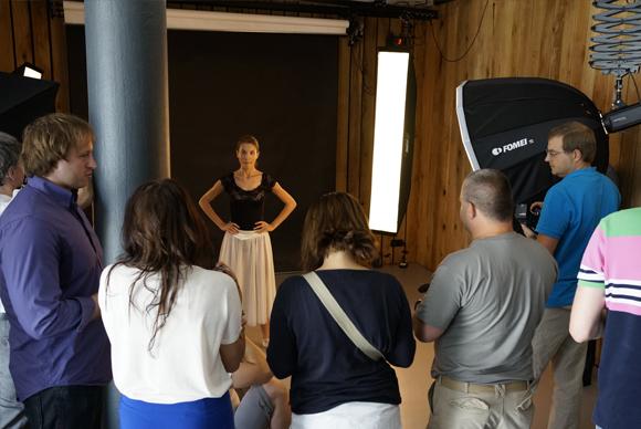 Přijďte na workshopy Nikon zdarma a vyfoťte si modelku