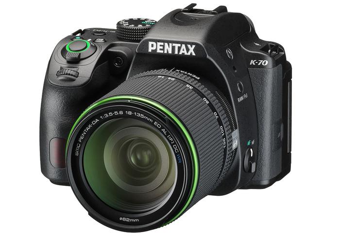 Pentax představil odolnou zrcadlovku K-70 s hybridním autofokusem