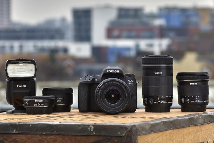 Ke 30. výročí systému EOS Canon představil EOS 77D a 800D a také EOS-M6