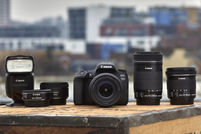 Nová zrcadlovka Canon 77D skladem