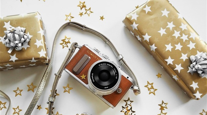 Rozdávejte na Vánoce radost s novým fotoaparátem od Olympusu