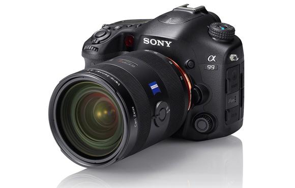 K Sony A77 a A99 objektiv Carl Zeiss o 5000 Kč levněji