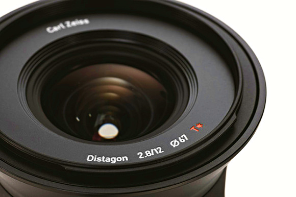 Touit - nové objektivy Carl Zeiss pro kompakty s výměnným objektivem