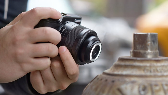 Canon představuje makroobjektiv s vestavěným světlem a další novinky
