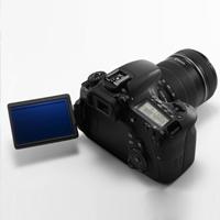 Foťáky a objektiv Canon až o 2 200 Kč levnější
