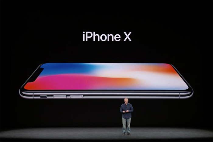 Prodej Apple iPhone X dnes oficiálně odstartoval