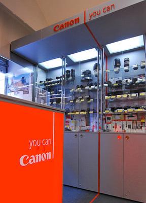 """Canon """"Shop in Shop"""" v prodejně Megapixel a představení nového EOS 5D Mark II!"""