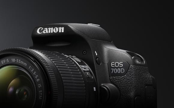 Představení nových fotoaparátů a objektivu Canon