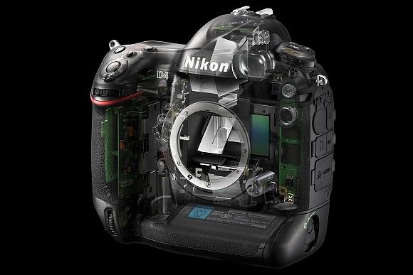 Aktualizace firmwaru profi zrcadlovky Nikon D4