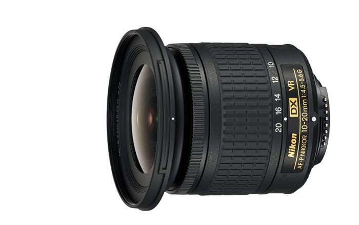 Novinka Nikon 10-20mm f/4,5-5,6 G AF-P VR DX je již skladem