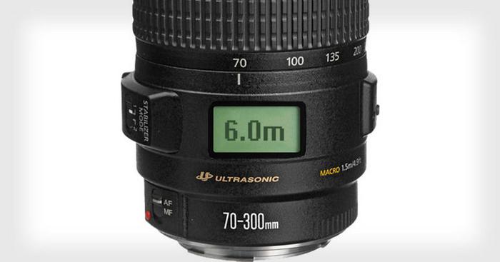 Dočkáme se objektivů Canon se stavovým displejem?