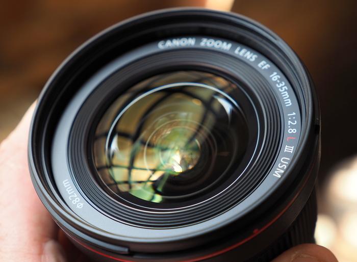 Nový širokoúhlý zoom Canon EF 16-35mm f/2,8L III USM je už v prodeji