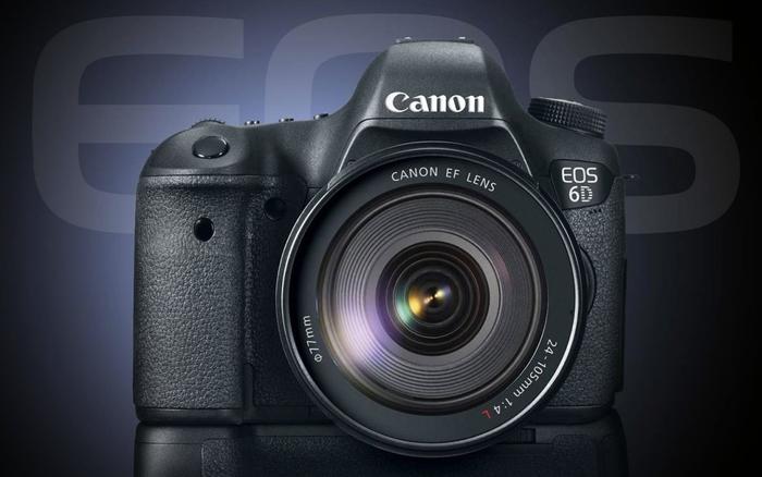 Canon EOS 6D je levnější o 4 500 Kč i s objektivem zdarma