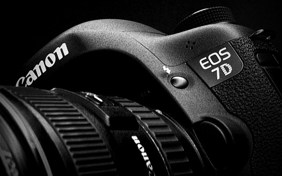 Canon EOS 7D Mark II bude patrně představen na veletrhu Photokina