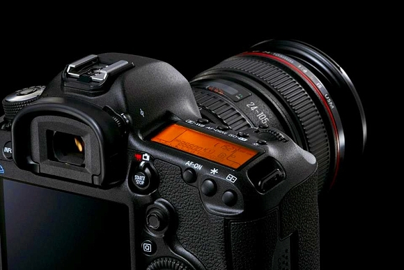 Důležité upozornění pro majitele zrcadlovky Canon EOS 5D Mark III