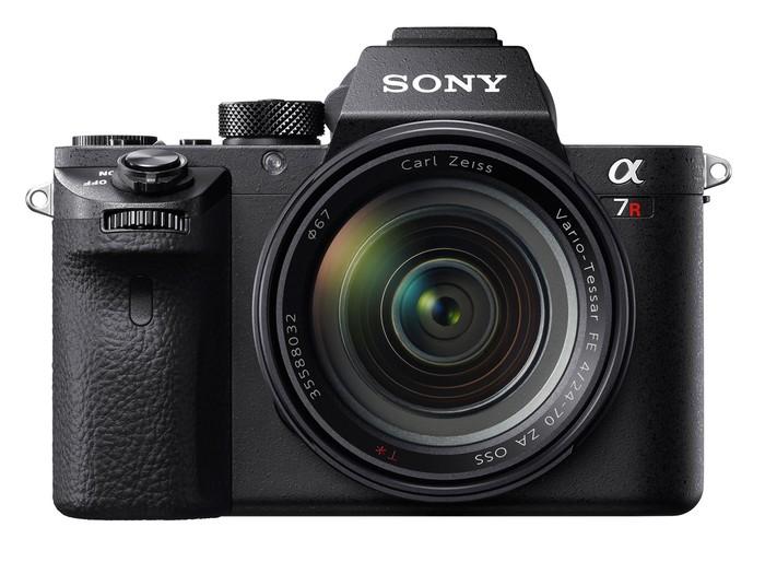 Tři novinky od Sony: A7R II, RX10 II a RX100 IV