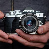 Objevte kompaktní systém Olympus se slevou až 6 000 Kč