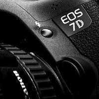 EOS 7D Mark II až do konce října s dárky zdarma