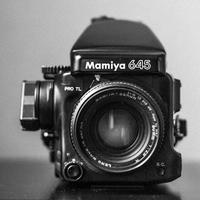 Historie fotografických značek - Mamiya