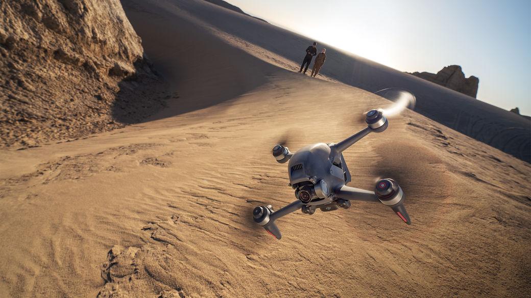 Objevujte svět z ptačí perspektivy s novým dronem DJI FPV Combo