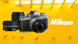 Světlo fotosvěta spatřil nový retro foťák Nikon Z fc společně s objektivem 28 mm f/2,8 SE
