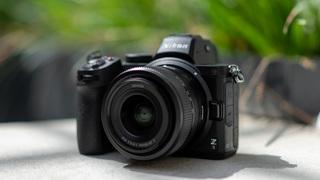 Přivítejte novinky Nikon Z5, objektiv 24-50 mm f/4-6,3 a telekonvertory. Jaké jsou naše první dojmy?