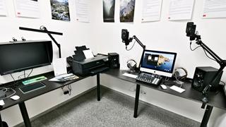 Tvořte u nás s profesionální technikou! Pozvedněte nahrávání podcastů, střih videa a úpravu fotek na vyšší level