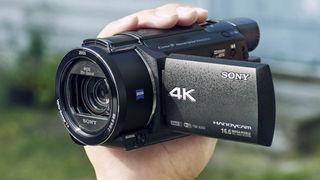 Čtveřice kamer Sony nabízí outdoorový model i rozlišení 4K