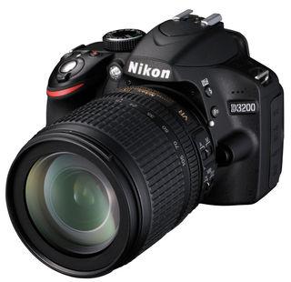 Nikon D3200 + 18-105 mm VR