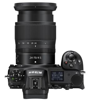Nikon Z7 + Nikon SB-5000 + 8× AA akumulátor s nabíječkou