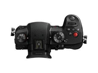 Panasonic Lumix DC-GH5 II + 12-60 mm Leica DG f/2,8-4