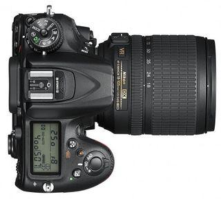 Nikon D7200 + 18-105 mm VR - Zánovní!