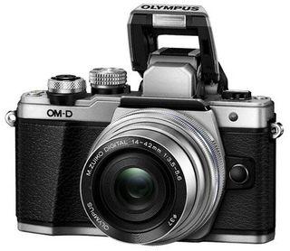 Olympus OM-D E-M10 Mark II + 14-42 mm EZ stříbrný - Zánovní!