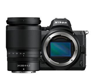 Nikon Z5 + 24-200 mm