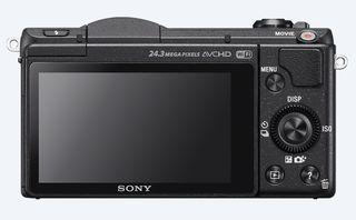 Sony Alpha A5100 + 16-50 mm černý + 16GB Class 10 + brašna + autom. krytka +  protector LCD!