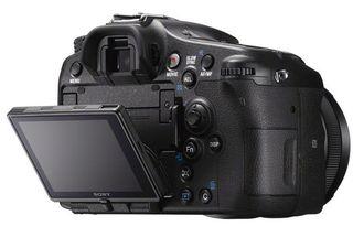 Sony Alpha A77 II + 16-50 mm
