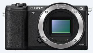 Sony Alpha A5100 + 16-50 mm + 55-210 mm černý