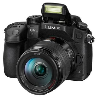 Panasonic Lumix DMC-GH4 + 14-140 mm