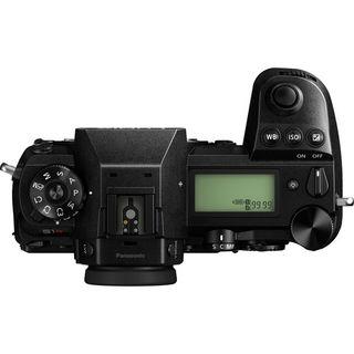 Panasonic Lumix DC-S1R + S PRO 70-200 mm f/4 O.I.S.,8