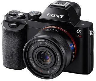 Sony Alpha A7R +  FE 35 mm f/2.8 ZA Sonnar T