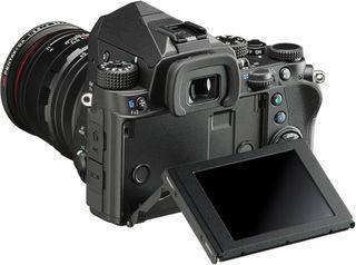 Pentax KP tělo + 18-270 mm SDM černý